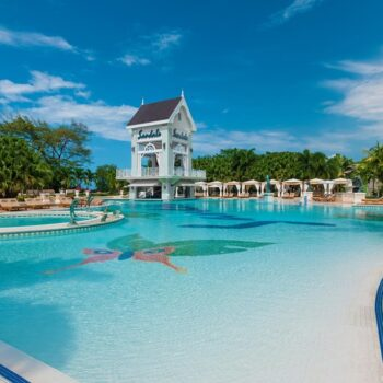 Sandals-Ochi-Beach-Pool