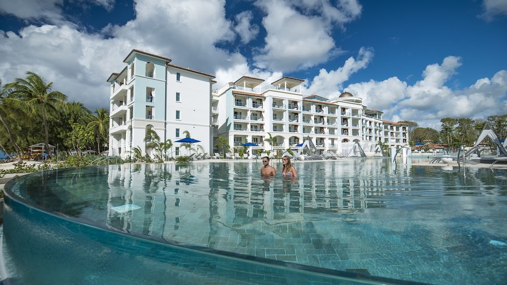 Sandals-Royal-Barbados-Infinity-Pool