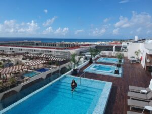 The-Reef-Rooftop-Pool